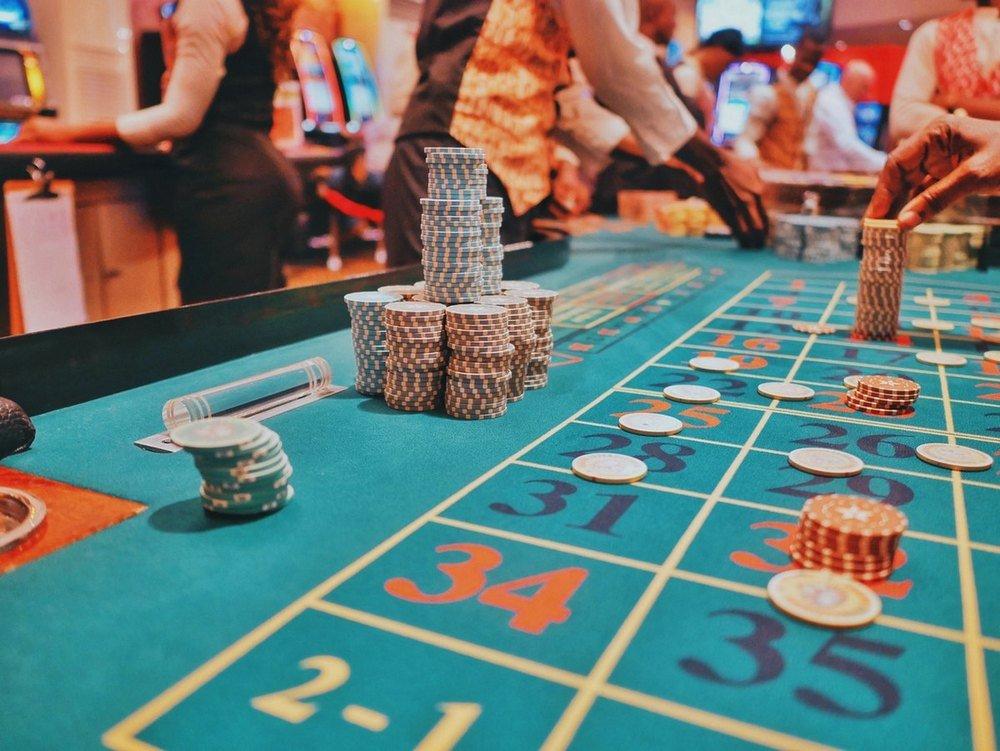 Kiinnostaako kokea maallisen kasinon tunnelma?